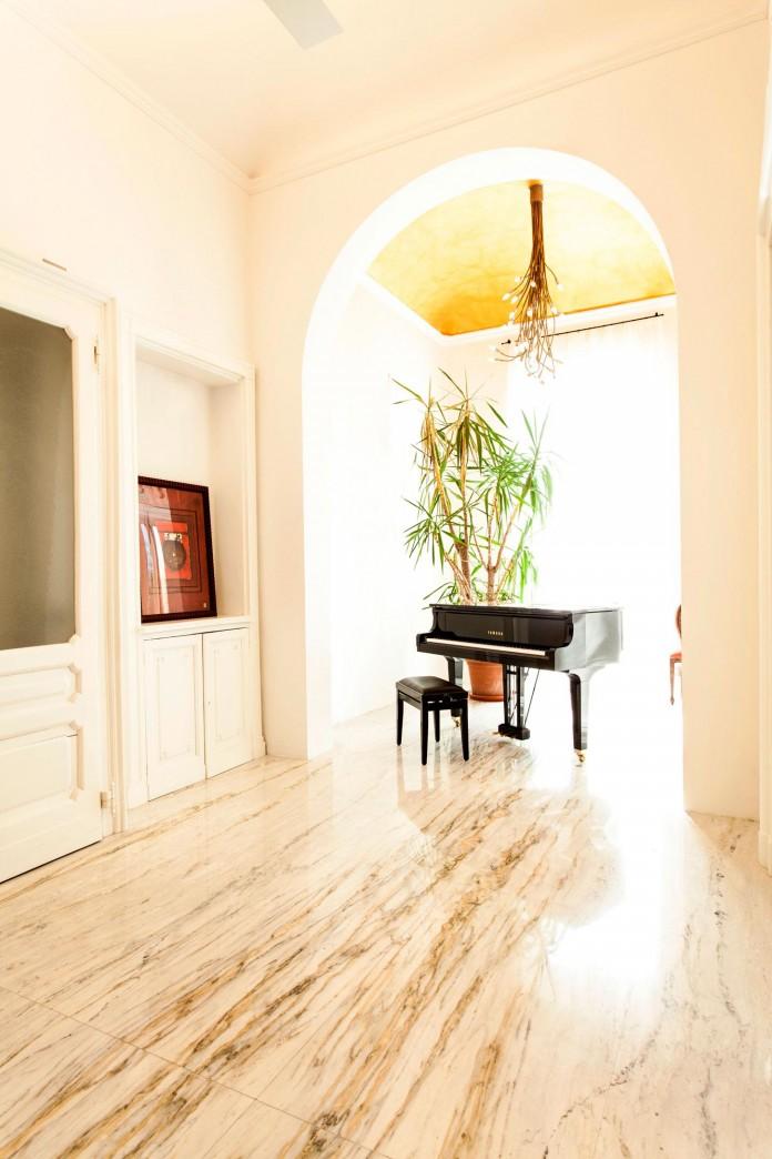 Elegant-River-Apartment-in-Turin-by-deamicisarchitetti-06