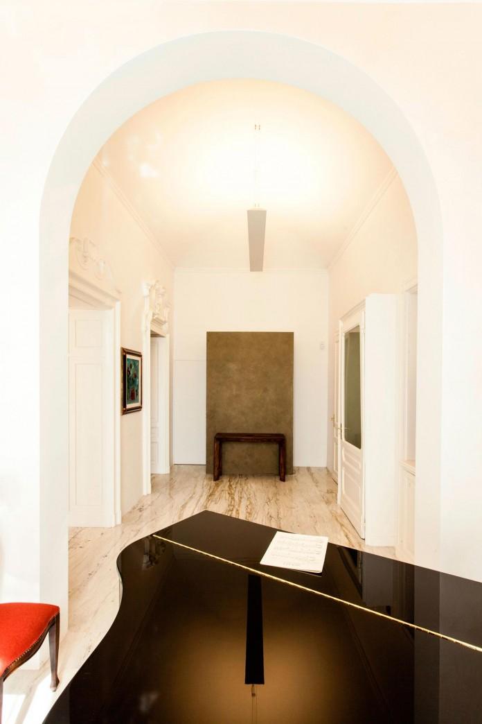 Elegant-River-Apartment-in-Turin-by-deamicisarchitetti-08