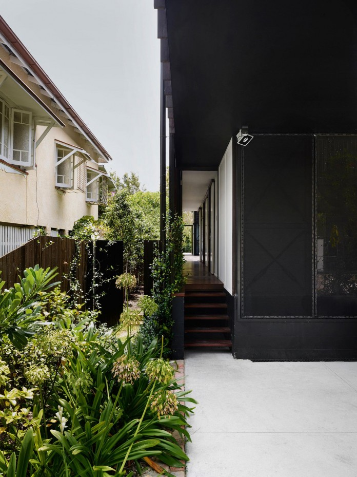 Oxlade-Drive-House-by-James-Russell-Architect-03