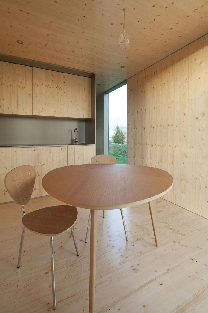 mima-light-minimal-modular-construction-seems-levitate-ground-due-lining-base-mirrors-14