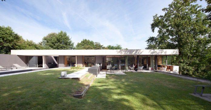 rooms-house-charbonnieres-les-bains-natural-light-09