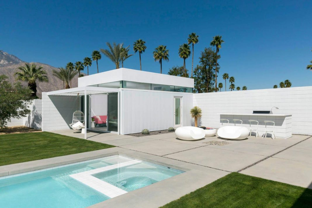 Midcentury Modern White House In Palm Springs California
