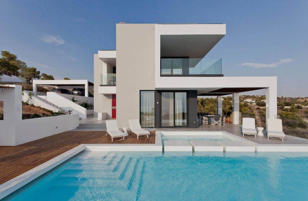 Contemporary Villa Overlooking The Mediterranean Sea