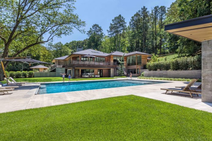 Airy and bright modern residence located in Greenville South Carolina  CAANdesign