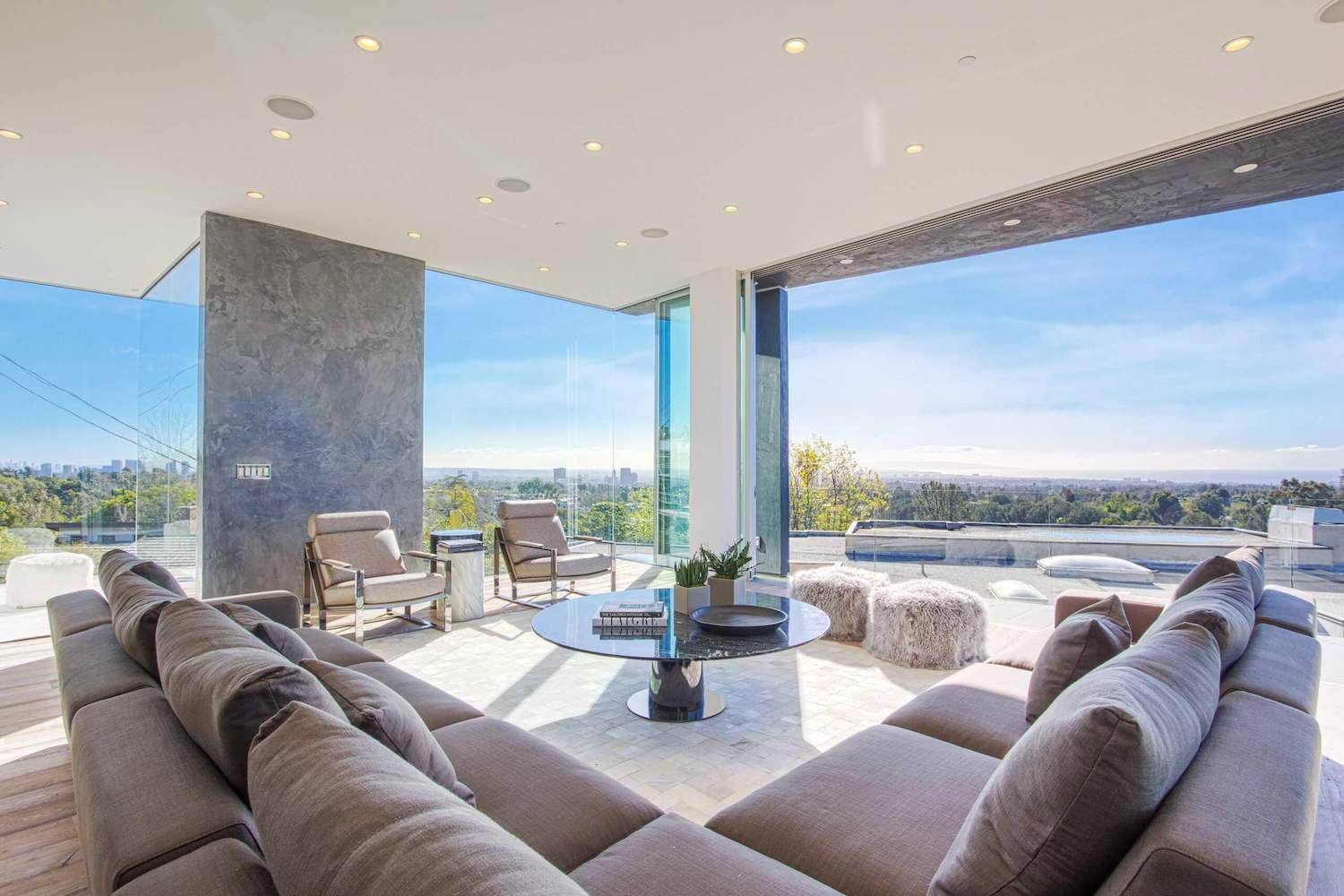Modern interior design of a Brentwood house by by Michelle Ruben Interiors  CAANdesign