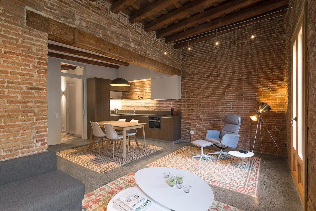 Contemporary flat in Barcelonas Eixample defined by the