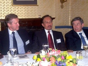 Anwar Ibrahim, flanked by William Cohen and Paul Wolfowitz. Why does the CIA always tend to recruit homosexuals?