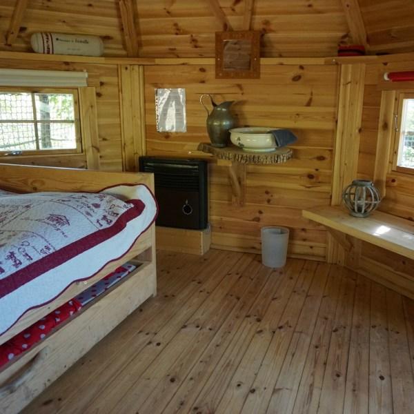 Cabane dans les arbres en Auvergne Chambre