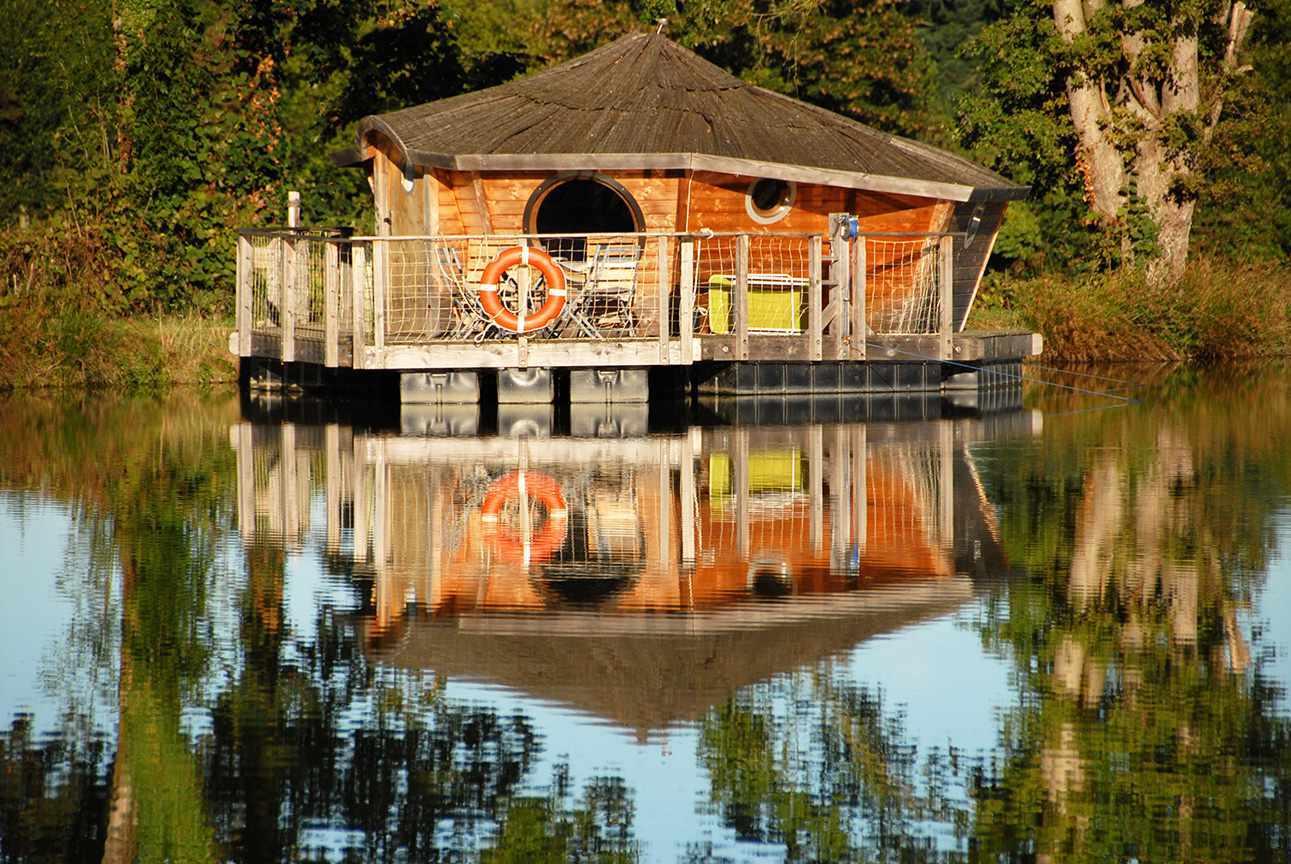 cabane flottante en pays de la loire