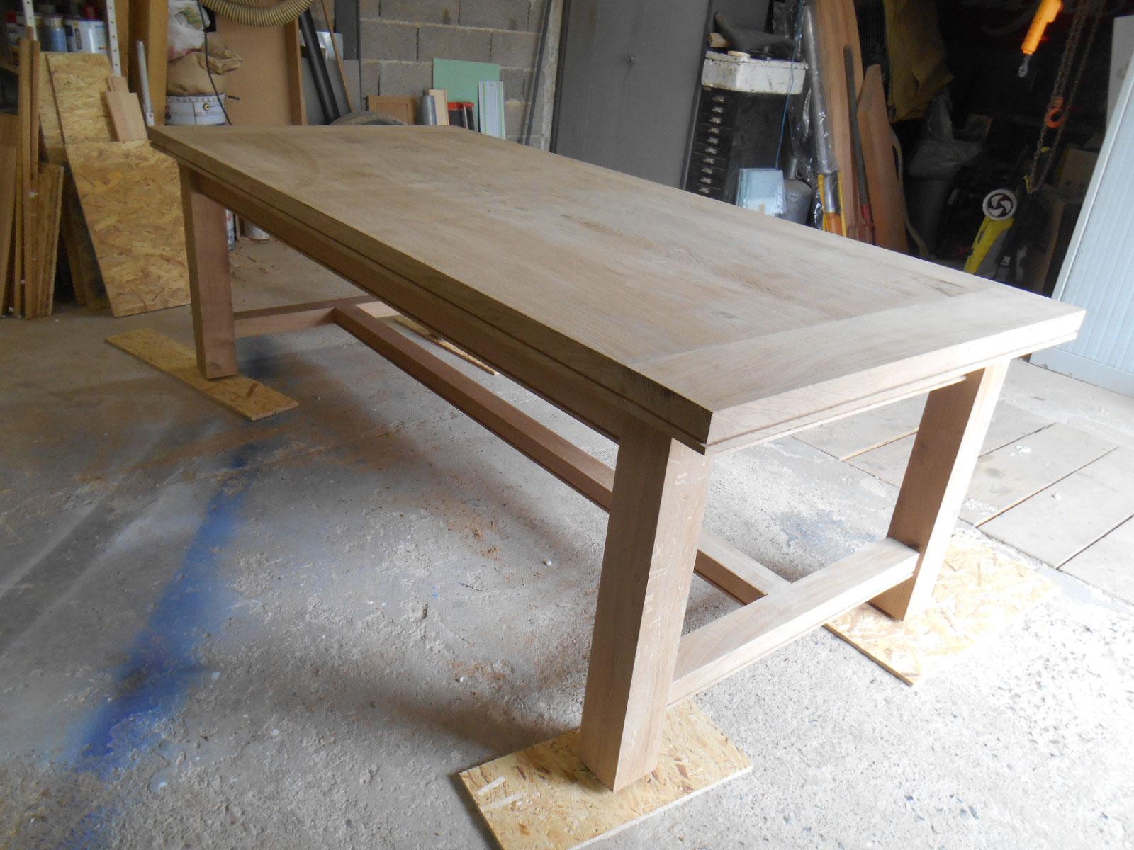 table artisanale de campagne en chene