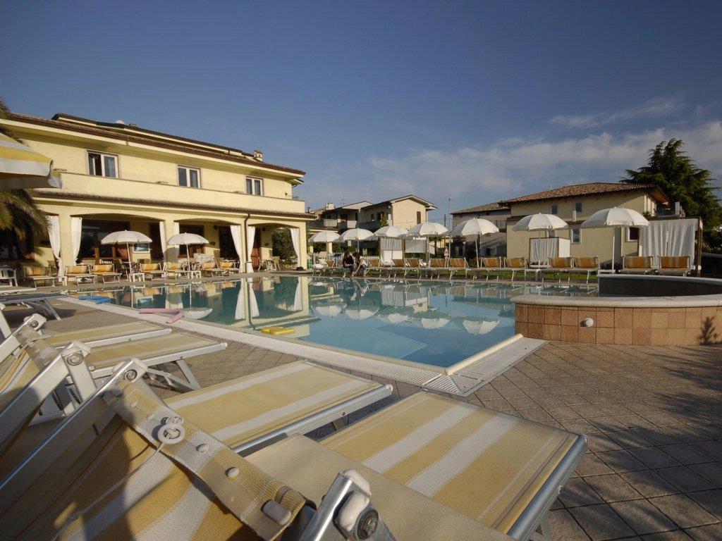 hotel-san-marco-bardolino-facciata1