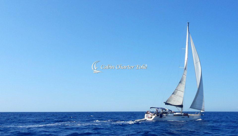 Freedom - Cabin Charter Eolie Imbarco Single Crociera Vacanza Barca a Vela Aeolian Islands Italy Matrimonio Team Building