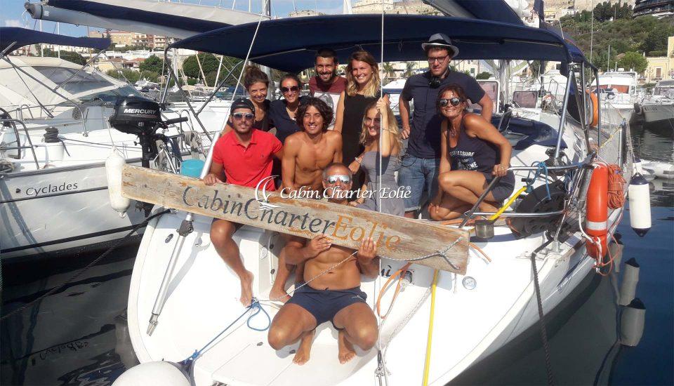 Gruppo - Cabin Charter Eolie Imbarco Individuale Gruppo - Crociera Vacanza Barca a Vela Aeolian Islands Italy Wedding Team Building