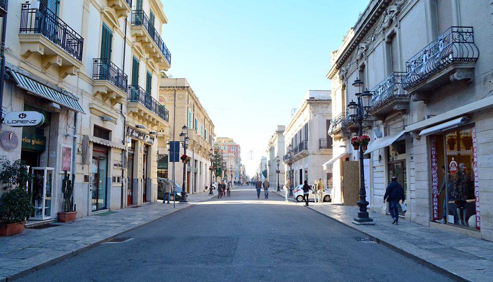 Cabin Charter Eolie - Reggio Calabria - Corso Garibaldi - Vacanza in Barca a Vela - Viaggio in Barca a Vela - Calabria - Sicilia