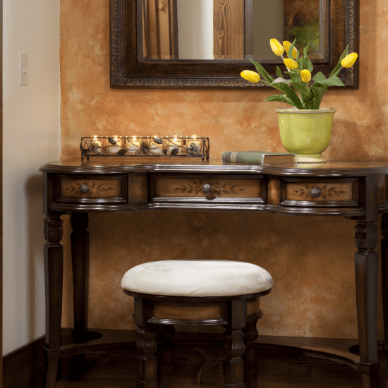 rooms gallery luxury vanity table in Ranch House Suite wedding services