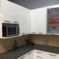 White Lacquer Kitchen Cabinets Pet Friendly Hotels With Kitchens High Gloss Painted Slab Frameless