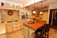Warm Farmhouse Kitchen