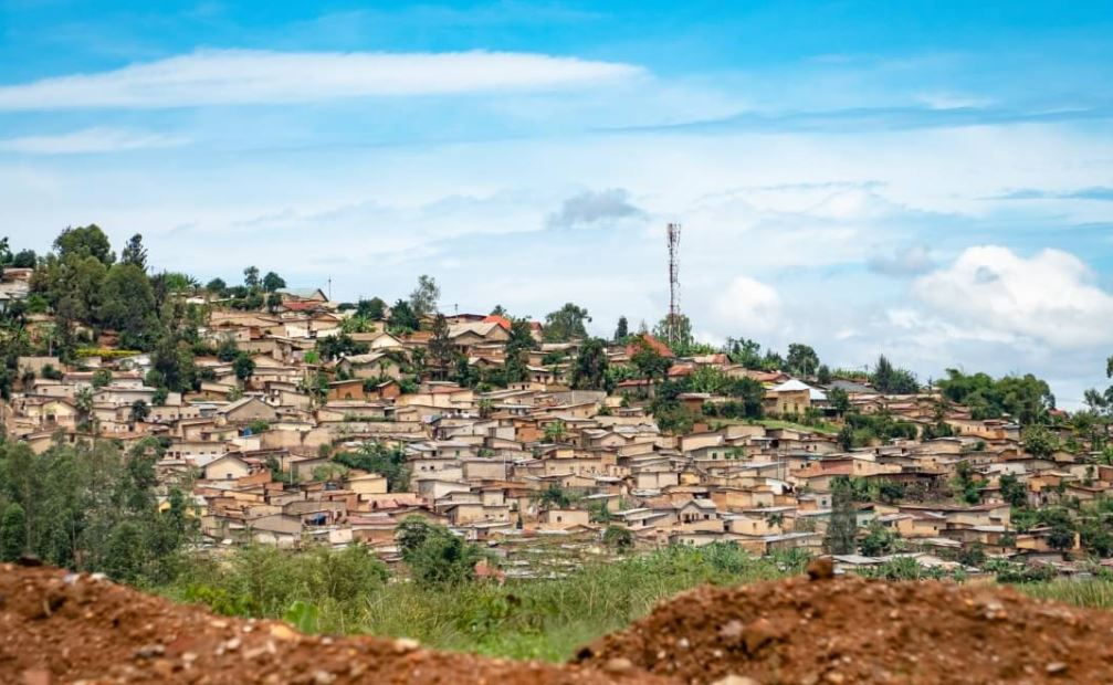 CableFree Rural Broadband using 4G LTE and Mesh WiFi in Africa - Rwanda and Tanzania