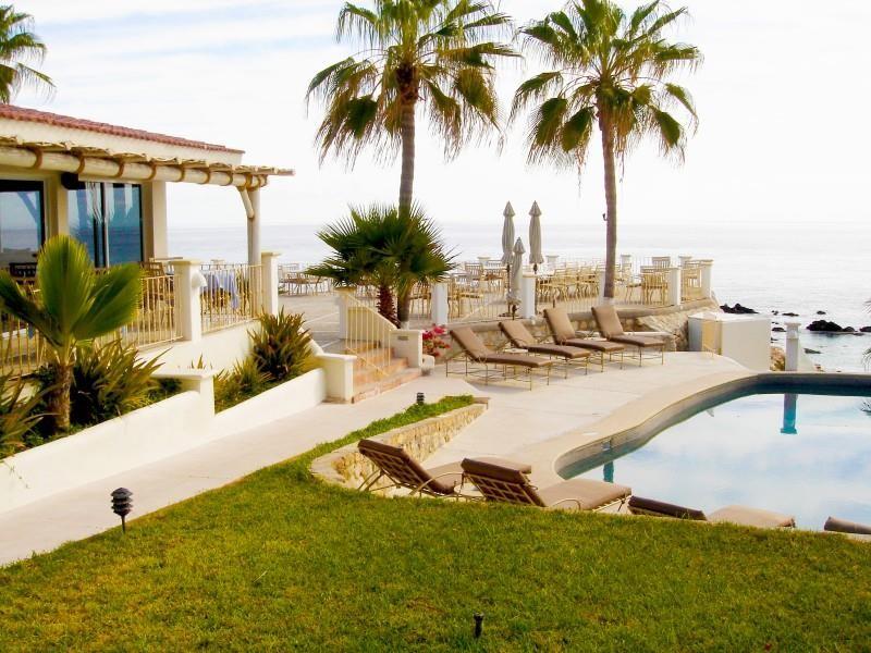 Punta_Pescadero_Hotel_Patio