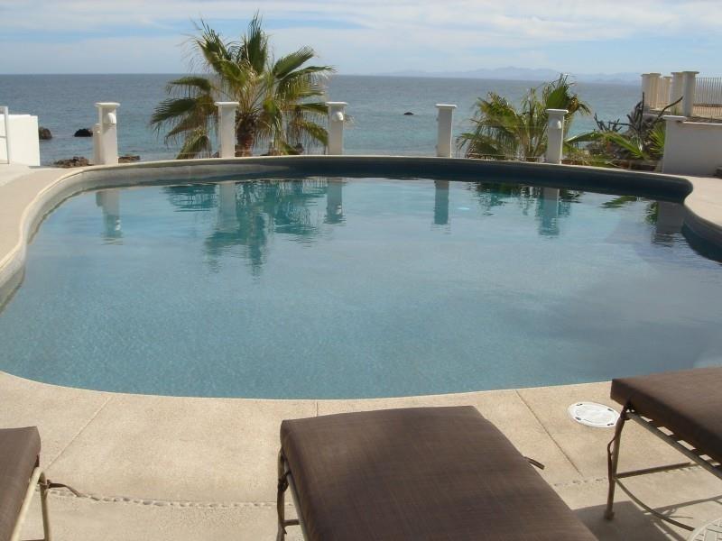 Punta_Pescadero_Hotel_Pool