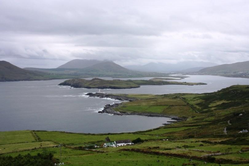 A Illa de Beginish dende a Illa de Valentia, no condado de Kerry