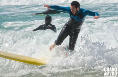 Disfrutando sobre las olas