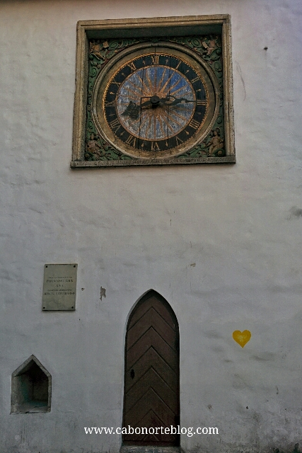 Reloj de la iglesia del Espíritu Santo
