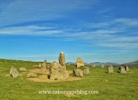 Crómlech próximo a la Selva de Irati, monumento megalitico, cromlech, navarra, megalitico