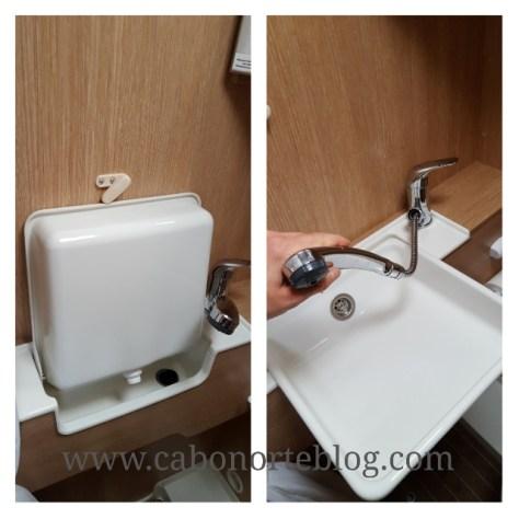 En muchas autocaravanas el lavabo es desplegable, y su grifo se comparte con el de la ducha