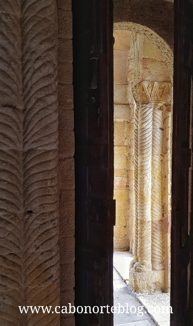 Columnas de la Iglesia de Santa María del Naranco