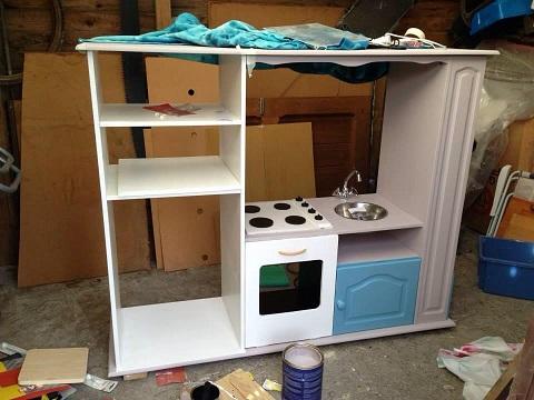 Comment transformer un meuble Tv en cuisinire pour enfants