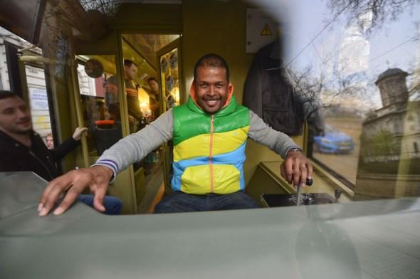 conduce tramvaiul Pro Fm 20 de ani Cabral Ibacka (2 of 2)