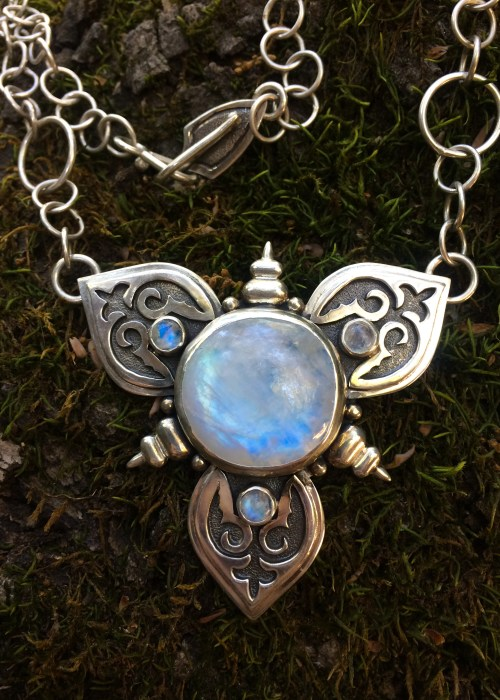 La Lune Rainbow Moonstone Necklace