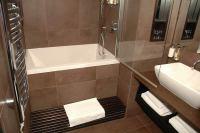 Calyx Deep Soaking Bath | Minimal Deep Soaking Tub