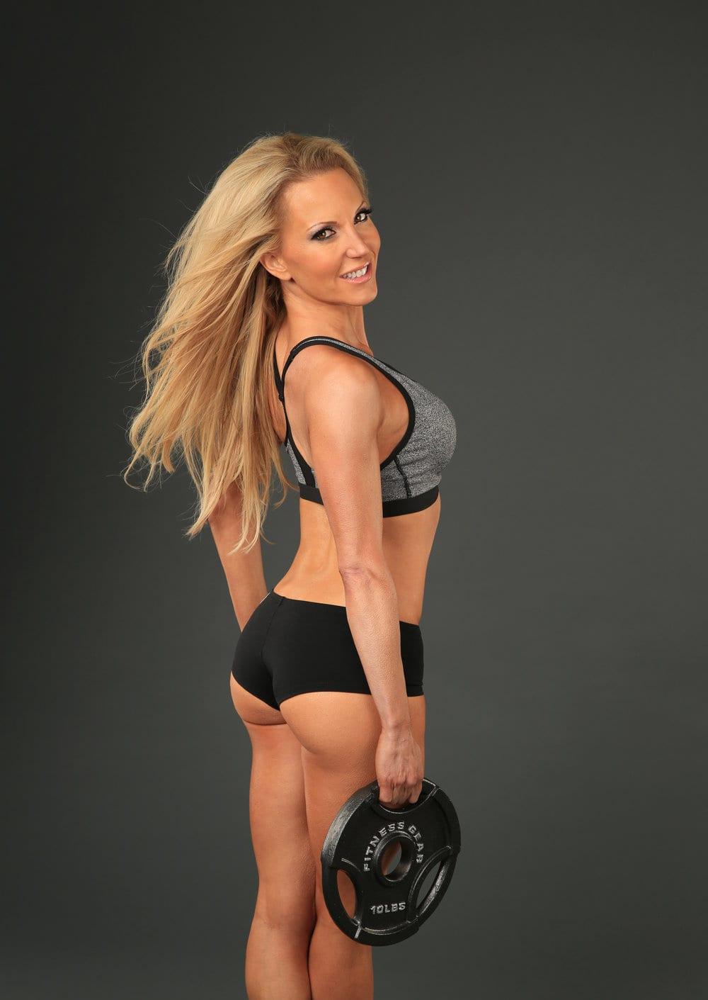 健身模型伊芙道斯重量板灰色锻炼上衣