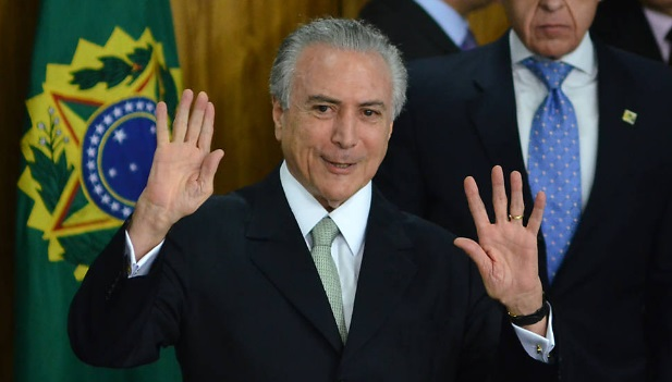 Presidente interino, Michel Temer, durante posse de seu novo Ministério em cerimonia no Palácio do Planalto - Foto: Renato Costa/Folhapress