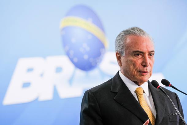 FMI ressalta que a incerteza política permanece e coloca 'nuvens' no cenário do país - Foto: Beto Barata