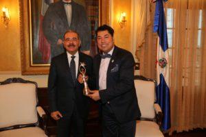 Danilo Medina recibió a El Pachá