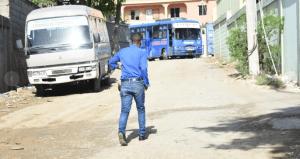 En asalto a control de guaguas participaron 10 delincuentes, dos de ellos policías