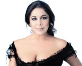 Condenaron a dos años de prisión a la cantante espaóla Isabel Pantoja