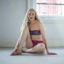 modelo-ropa-interior