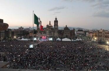 60424254. México, 24 Abr 2016 (Notimex-Guillermo Granados).- Wisin se presentó en el Zócalo capitalino como parte del Concierto Fénix Tour. NOTIMEX/FOTO/GUILLERMO GRANADOS/GGV/ACE/