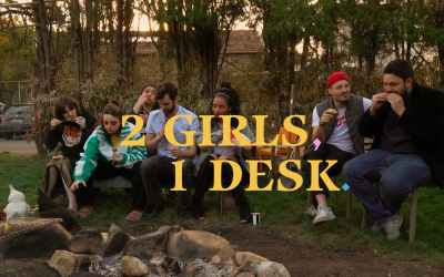 2 GIRLS, 1 DESK – LA BANDE ANNONCE OFFICIELLE