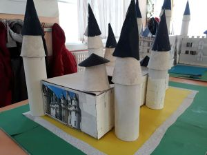 Exposition des travaux de l'école Notre-Dame (Plessé) @ Médiathèque