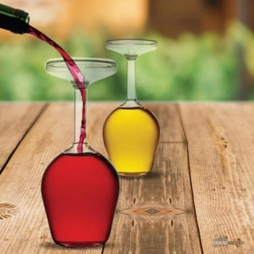 20 idées de cadeaux de Saint-Valentin à moins de 20 euros - verres à vin à l'envers