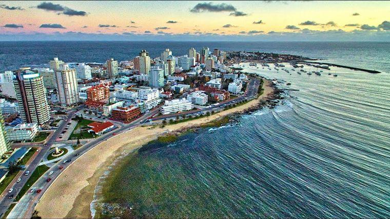 Uruguay anunció que cerrará fronteras durante el verano