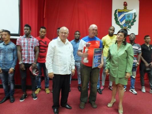 La Asamblea reconoció al equipo e Boexeo, que revalidó su tituló en el recién concluido Torneo Playa Girón.