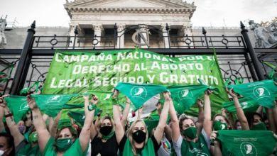 Photo of El Gobierno maneja 131 votos a favor y 119 en contra para la ley del aborto