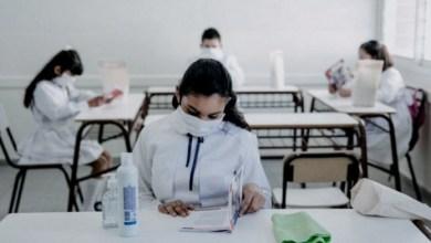 Photo of El Gobierno publicó el decreto de extensión del Dispo y prioriza el retorno a clases presenciales