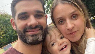 Photo of Conmovedora lucha de un matrimonio rosarino por un tratamiento para su hija